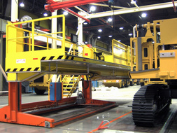 Mobile lifting platform with column.