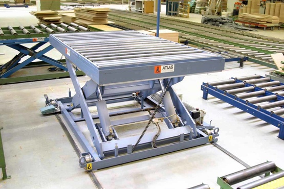 The lifting table type BFX is specially designed for the wood processing industry. This table includes a roller conveyor for the wood transfer in low position.Capacity up to 1500 daN,Vertical lifting up to 800 mm
